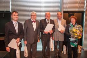Beim Neujahrsempfang der FDP Rems-Murr und der FDP/Freie Wähler Kreistagsfraktion am 3.2.2013 in Fellbach wurden langjährige Mitglieder geehrt. (v.r.n.l.) Karin Mössner, Ernst Schnaithmann, Ulrich Lenk, Klaus Bühler, Dieter Schorr